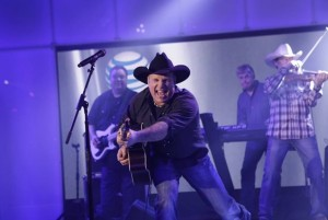 garth brooks 300x201 1
